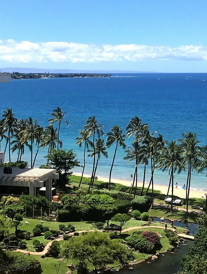 Learn how to an amazing *almost* free Hawaii vacation of your dreams with this easy-to-follow beginner's guide